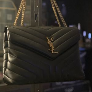 Beautiful YSL handbag (Medium LouLou)❤️👌🏼